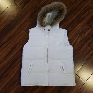 Finish Line Athletica Women's Puffy White Vest